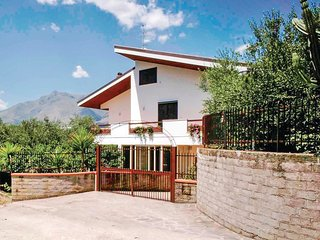 3 bedroom Villa in Mamurrano, Latium, Italy : ref 5539906