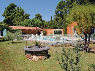 2 bedroom Villa in Roussillon, Provence-Alpes-Côte d'Azur, France : ref 5539463