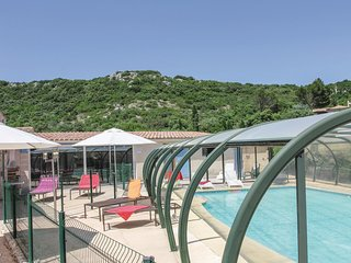 4 bedroom Villa in Rochefort-du-Gard, Occitania, France : ref 5539201