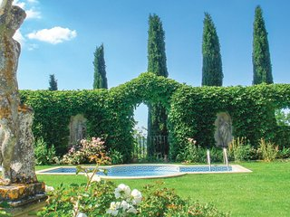 8 bedroom Villa in Pontecuti Nuovo, Umbria, Italy : ref 5540544