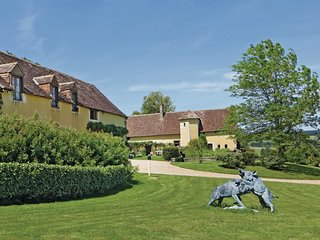 6 bedroom Villa in Domfront-en-Champagne, Pays de la Loire, France : ref 5539496