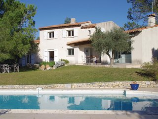 5 bedroom Villa in Mas-de-Ponge, Occitania, France : ref 5542973