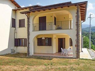 3 bedroom Apartment in Camporgiano, Tuscany, Italy : ref 5548805