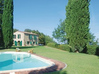 3 bedroom Villa in Le Bolle, Tuscany, Italy : ref 5541078