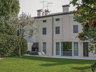 3 bedroom Apartment in Vicenza, Veneto, Italy : ref 5549444