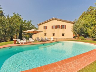 6 bedroom Villa in Lornano, Tuscany, Italy : ref 5540423