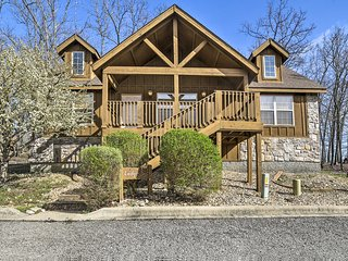 NEW! Cozy Branson West Cabin - 10 Min to SDC