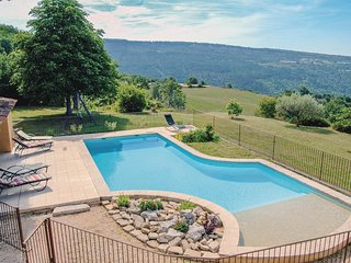 4 bedroom Villa in Sainte-Croix-a-Lauze, Provence-Alpes-Cote d'Azur, France : re