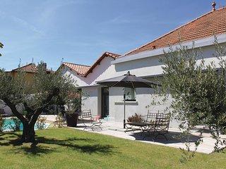 4 bedroom Villa in Charleval, Provence-Alpes-Cote d'Azur, France : ref 5539385