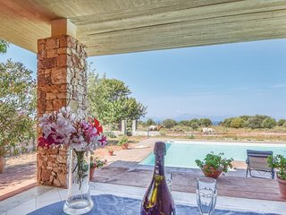 4 bedroom Villa in Agliandroni-Paternella, Sicily, Italy : ref 5548980