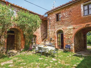4 bedroom Apartment in Campoleone, Tuscany, Italy : ref 5540127