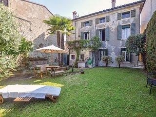 6 bedroom Villa in Pacengo di Lazise, Veneto, Italy : ref 5541069