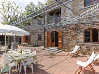4 bedroom Villa in Metati Rossi Alti, Tuscany, Italy : ref 5540491