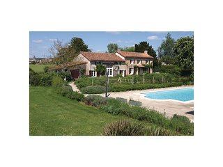 4 bedroom Villa in Genouillé, Nouvelle-Aquitaine, France : ref 5542990