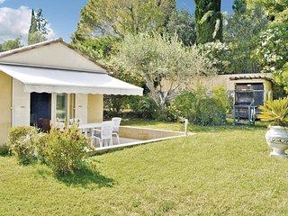 2 bedroom Villa in Les Baraques, Provence-Alpes-Côte d'Azur, France : ref 553897