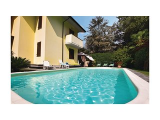 3 bedroom Villa in Camaiore, Tuscany, Italy : ref 5548704