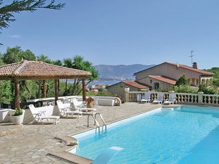 5 bedroom Apartment in La Seyne-sur-Mer, Provence-Alpes-Cote d'Azur, France : re