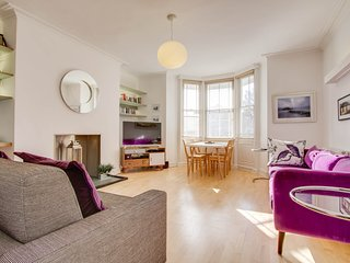 Raised-ground floor Regency apartment by Palace Pier and opposite Steine Gardens