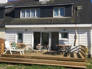 Maison du bonheur 11 couch. 5km des plages et du port  jardin terrasse cheminee