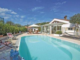 3 bedroom Villa in Campanina, Campania, Italy : ref 5545078