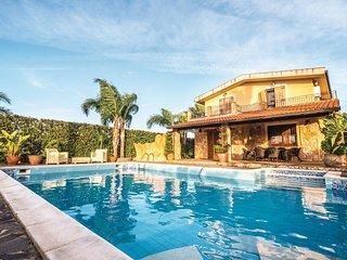 3 bedroom Villa in Torre Colonna-Sperone, Sicily, Italy - 5547445