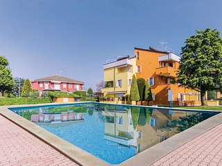 2 bedroom Apartment in Scannabue-Cascine Capri, Lombardy, Italy : ref 5545516