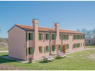 5 bedroom Villa in Fossone d'Adige, Veneto, Italy : ref 5545668