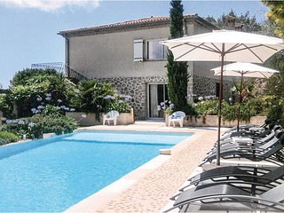5 bedroom Villa in Spéracèdes, Provence-Alpes-Côte d'Azur, France : ref 5539022