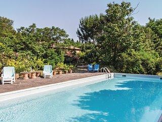 3 bedroom Villa in Il Poggiolo, Tuscany, Italy : ref 5548381