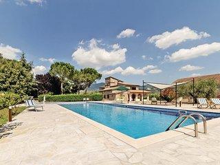 6 bedroom Villa in Pozzo Ciolino, Umbria, Italy : ref 5540561