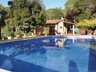 4 bedroom Villa in Vidreres, Catalonia, Spain : ref 5550009
