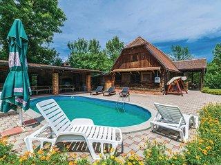 2 bedroom Villa in Gracanica, Sisacko-Moslavacka Zupanija, Croatia : ref 5546349
