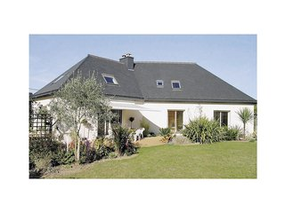 5 bedroom Villa in Saint-Eloy, Brittany, France : ref 5538883