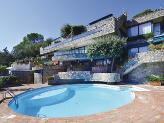 2 bedroom Apartment in Ansedonia, Tuscany, Italy : ref 5541177
