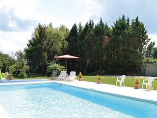 3 bedroom Villa in Saint-Michel-de-Riviere, Nouvelle-Aquitaine, France : ref 553