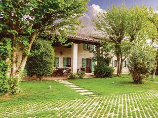 4 bedroom Villa in Caberlotto, Veneto, Italy : ref 5545549