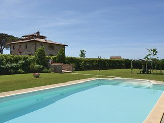 2 bedroom Apartment in Fratta-Santa Caterina, Tuscany, Italy : ref 5540164