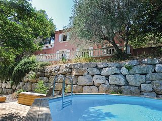 3 bedroom Villa in Saint-Roman-de-Bellet, Provence-Alpes-Cote d'Azur, France : r