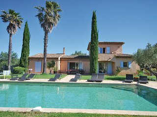 6 bedroom Villa in Ramatuelle, Provence-Alpes-Côte d'Azur, France : ref 5539138