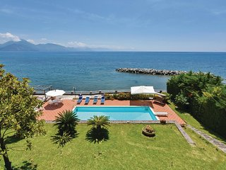 3 bedroom Villa in San Giuliano, Campania, Italy : ref 5539769