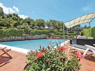4 bedroom Villa in Acquavena, Campania, Italy : ref 5547175