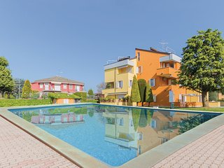 2 bedroom Apartment in Scannabue-Cascine Capri, Lombardy, Italy : ref 5544914