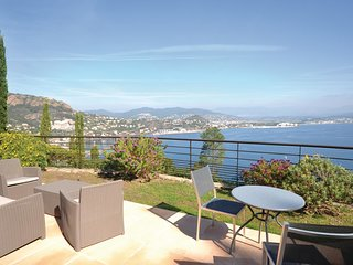 3 bedroom Villa in Theoule-sur-Mer, Provence-Alpes-Cote d'Azur, France : ref 553