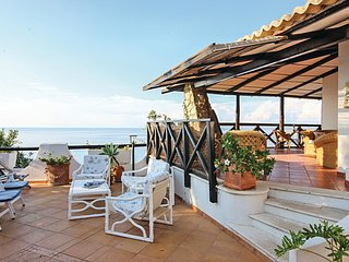 2 bedroom Villa in Costa dei Monaci, Calabria, Italy : ref 5541059