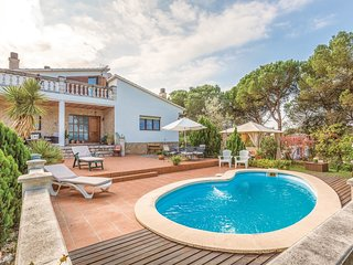 4 bedroom Villa in Vidreres, Catalonia, Spain : ref 5548101