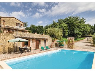 3 bedroom Villa in Farnetella, Tuscany, Italy : ref 5540440