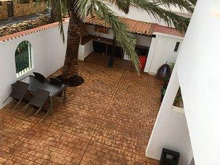 Casa Primavera Spacious Villa in Triquivijate, Very Quiet Location