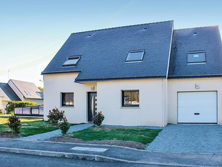 3 bedroom Villa in Plomeur, Brittany, France : ref 5545673