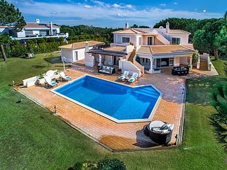 4 bedroom Villa in Quinta do Lago, Faro, Portugal : ref 5585273