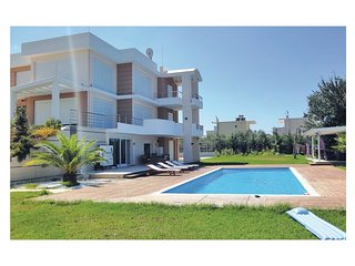 7 bedroom Villa in Nea Thesi, Epirus, Greece : ref 5561529